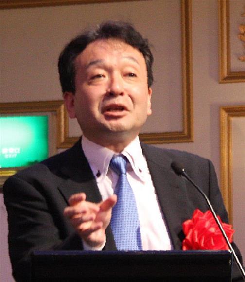 「子供たちに郷土愛や日本の名将を教えることで、勇気を持てる」と説く井上和彦氏=12日、仙台市青葉区の江陽グランドホテル