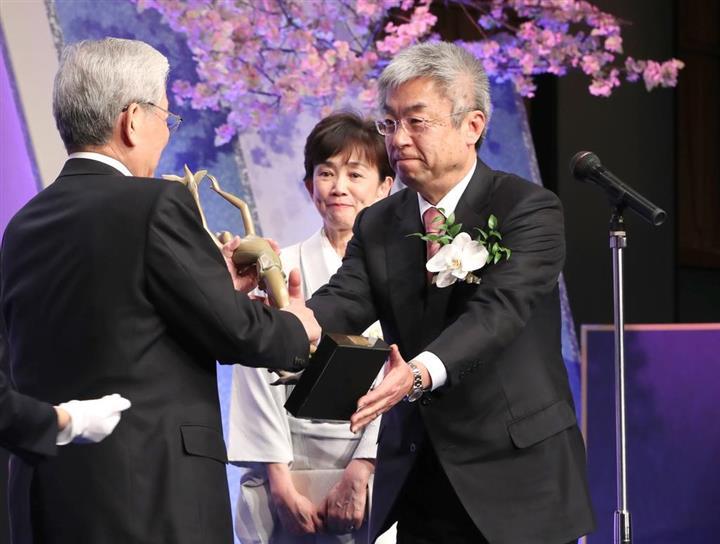 第33回「正論大賞」贈呈式 安倍晋三首相「決して色あせないのが ...
