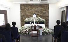 「小さなお葬式」ネット注文…追加料金なしの明朗会計で急成長