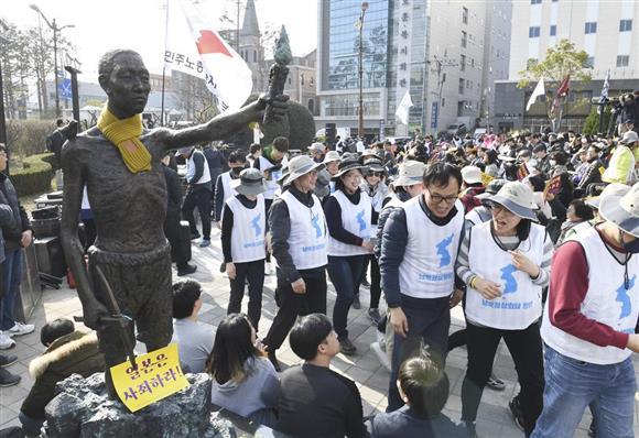 事実上さじを投げた形…徴用工問題の韓国不作為 ウォン急落を助長:イザ!