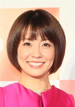 笑顔が輝いている小林麻耶。