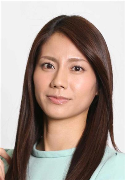 日刊ゲンダイによると、自民党は東大卒のタレント、菊川怜さん(37)を東京選挙区から出馬させようとしているが、「本人に政治家になる意思がない」と関係者。そこで、東欧4カ国との親善大使を務める松下奈緒さん(30)が急浮上しているという。