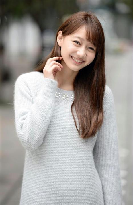 服を着た高田秋
