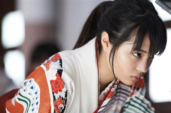 もう20歳?! まだ20歳!? 女優・広瀬すずの魅力に迫る