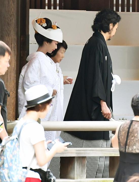優香と青木崇高が明治神宮で挙式、厳戒態勢も外国人観光客らは興奮:イザ!