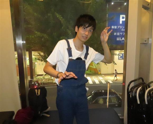 サンミュージック初の高校生芸人、夢屋まさる。元子役で、慶応
