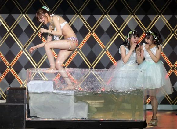 http://prt.iza.ne.jp/kiji/entertainments/images/170401/ent17040120120049-p2.jpg