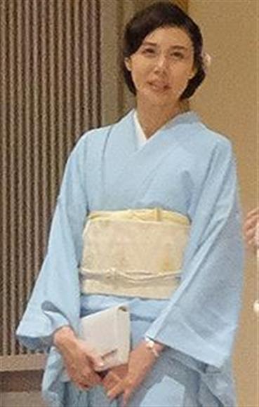 後輩の結婚式に出席した松嶋菜々子