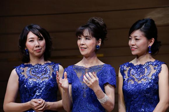 坂本九ファミリーコンサートに出演した柏木由紀子と大島花子、舞坂ゆき子
