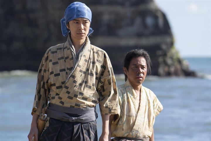 岡村 菊丸 「麒麟がくる」岡村隆史の表現の幅広さ、演出・藤並英樹が語る 初大河で神出鬼没の農民を好演|シネマトゥデイ