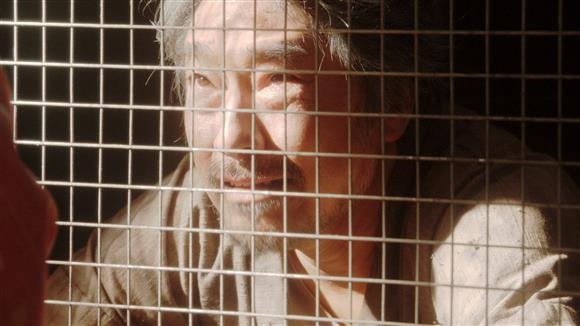 竹井テルヲ役を演じるトータス松本 (C)NHK