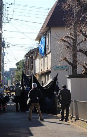 発砲受けたタクシー強盗は火災死亡の女性の長男 東京警官発砲:イザ!
