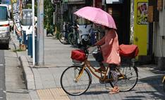 大阪府警「『さすべえ』控えて」 雨の日の自転車、どうしよう?