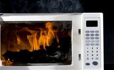 おにぎりを温めたら火が 相次ぐ電子レンジの発火事故、原因は?
