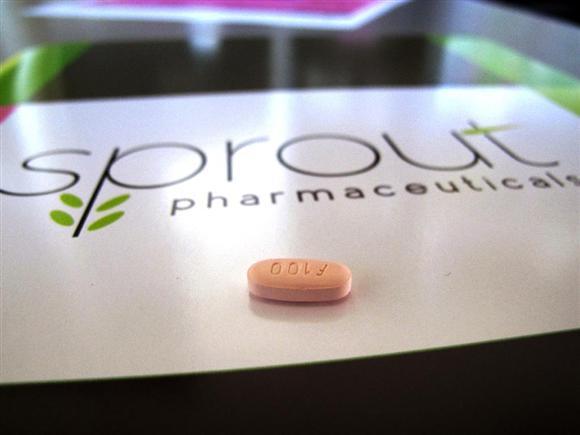 FDAの諮問委員会が女性の性欲向上に効果があるとしてFDAに承認を勧告した「フリバンセリン」の錠剤。この錠剤はしばしば「女性用バイアグラ」と称される(AP)