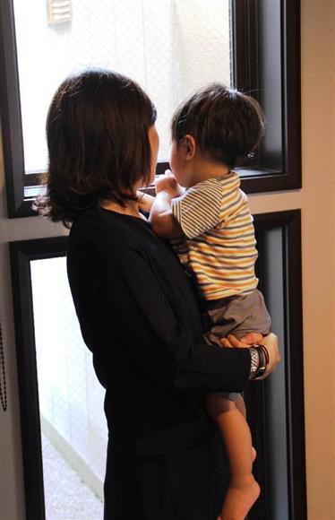 産後の女性は出産で体力が落ちている上に睡眠不足、さらに育児不安に苛まれ、体力的にも精神的にも辛い時期