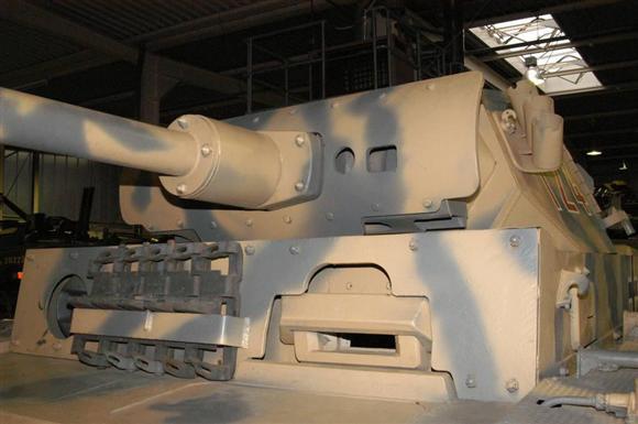 ロンメルの機動力生かした戦い方を支えた3号戦車(2002年10月、ドイツ・ラインラントプファルツ州・コブレンツ軍事技術博物館、岡田敏彦撮影)
