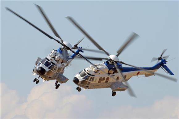 EC225LP特別輸送ヘリコプター=2月25日、千葉県木更津市