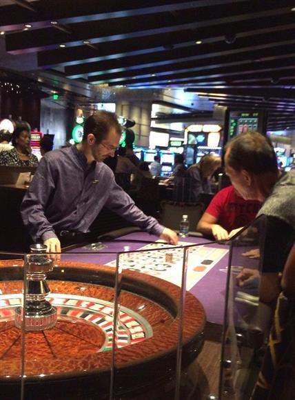 カジノを中心とした統合型リゾート施設の経済効果に期待する声は多い=米ネバダ州ラスベガス(芳賀由明撮影)