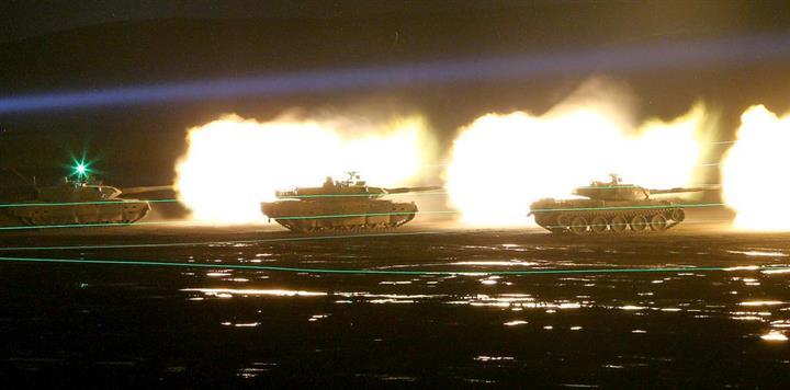 戦車砲、曳光弾、迫撃砲、弾幕射撃! 暗闇つんざく自衛隊の「夜間演習」:イザ!サイトナビゲーションPR戦車砲、曳光弾、迫撃砲、弾幕射撃! 暗闇つんざく自衛隊の「夜間演習」PRPRPRPRPRトレンドizaアクセスランキングピックアップizaスペシャルPRPR得ダネ情報PRPR
