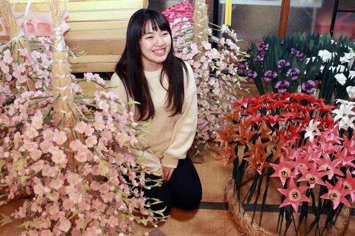 白血病 治る: 白血病で死亡の兄の思い胸に 24歳女性が伝統の造花:イザ!