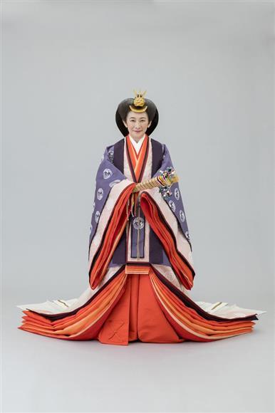 即位礼正殿の儀の装束である十二単を着用された秋篠宮妃紀子さま(宮内庁提供)