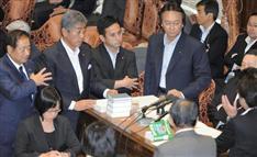 法案そっちのけ…百田氏発言を追及「言論の自由への挑戦だ」