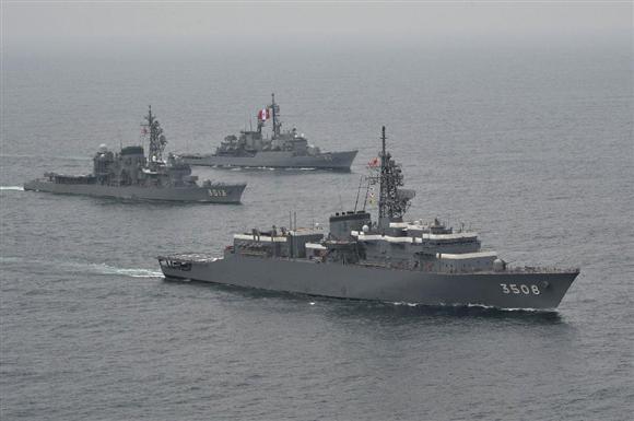 韓国やロシアに初寄港した海自艦...