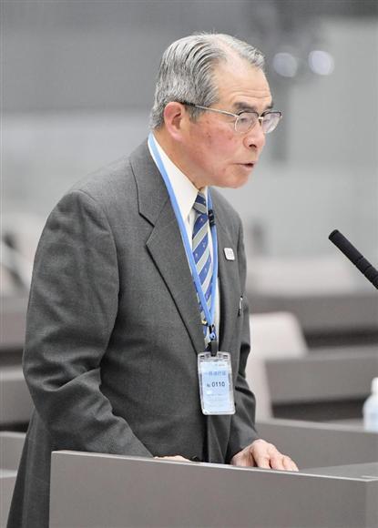 豊洲市場の移転問題を検証する東京都議会の百条委員会で、質問に答える大矢実元市場長=11日午後
