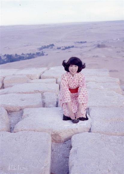 登る 振り袖 ピラミッド を