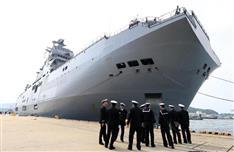 初の日米英仏合同訓練を前 仏強襲揚陸艦が佐世保入港 北朝鮮、中国を牽制