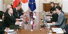 G7 安倍首相、島国マルタ訪問 日本の現職首相で初 旧日本海軍戦没者墓地も慰霊