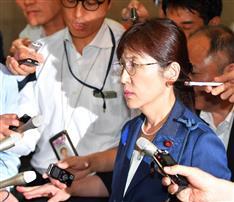 混乱招いた稲田防衛相の言動 PKO日報問題で異例の監察対象 靖国参拝見送り、奇抜な服装…
