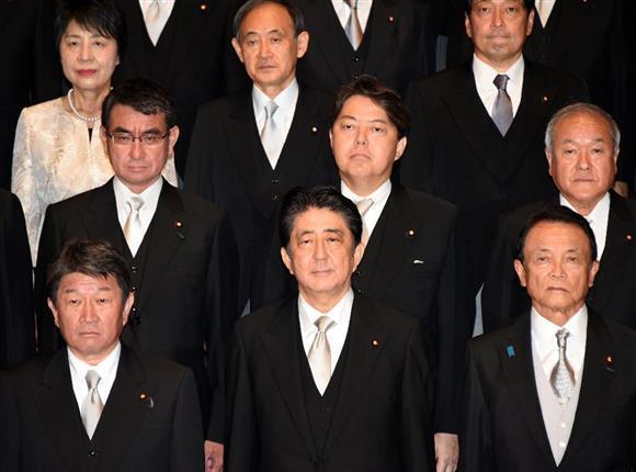 閣僚の平均年齢 第2次内閣発足以...