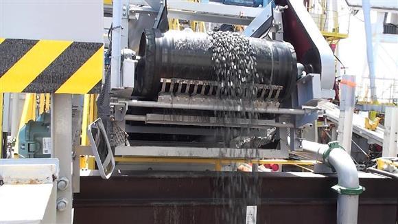 海底熱水鉱床から鉱石引き揚げ、世界初の実験に成功 沖縄近海1600メートル、商業化に向け前進