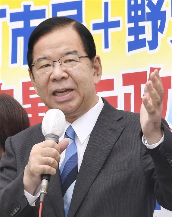 街頭演説する共産党の志位委員長=11日午後、川崎市