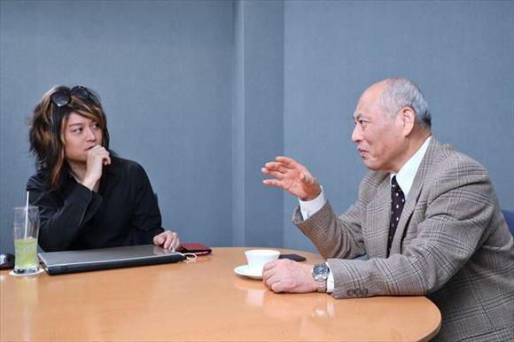 女性議員について語り合う舛添要一氏(右)と古谷経衡氏