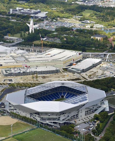 G大阪の新スタジアムは大規模災害時に避難場所となるなど、防災拠点としての機能も併せ持つ。このために取り入れたのが、大規模スタジアムとしては日本初となる屋根免震構造=9月、大阪府吹田市