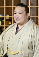 4横綱時代を開いた稀勢の里が意欲「自分信じる」 大相撲