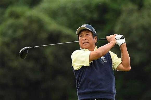 東京国際大ゴルフ部の監督を務める湯原が3位に浮上。教え子たちに負けていられない(PGA提供)