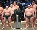 """日馬暴行問題で露呈した相撲協会の非常識 八角理事長は危機管理委に""""丸投げ""""、日馬""""謎のとんぼ返り""""に説明なし"""