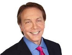 政治評論家、アラン・コルムズ氏が死去 FOX政治トーク番組の共同司会
