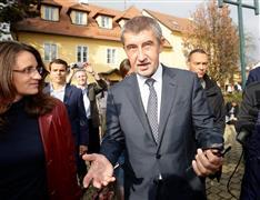「チェコのトランプ」第1党確実に 日系のトミオ・オカムラ氏が率いる極右新党が2位争い