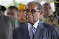 往生際の悪さを強く印象づける幕切れ 武力で権力維持のムガベ氏に国際的非難
