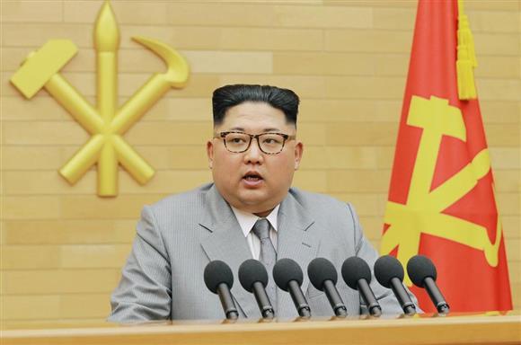 2018年の「新年の辞」を発表する北朝鮮の金正恩朝鮮労働党委員長(朝鮮中央通信撮影・共同)