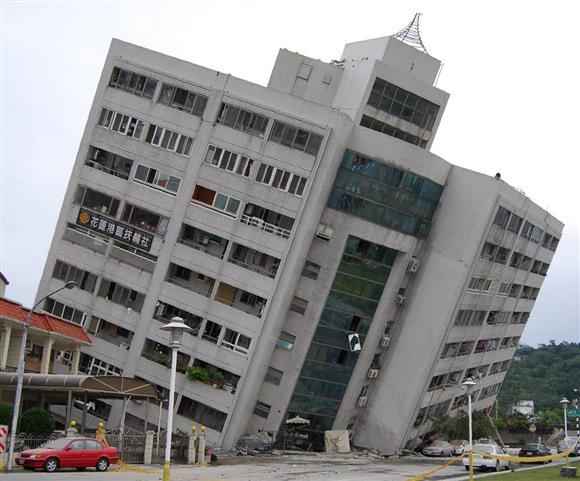 台湾東部のM6地震 死者4人に 日本人負傷者は2人:イザ!サイトナビゲーションPR台湾東部のM6地震 死者4人に 日本人負傷者は2人7日午前、台湾・花蓮市内で、6日深夜の地震で下層部が崩れた住居兼ホテル(田中靖人撮影)その他の写真PRPRPRトレンドizaアクセスランキングピックアップizaスペシャルPRPR得ダネ情報PR
