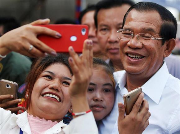 カンボジアで新内閣発足 各国反...